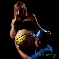 Sesja ciążowa z humorem
