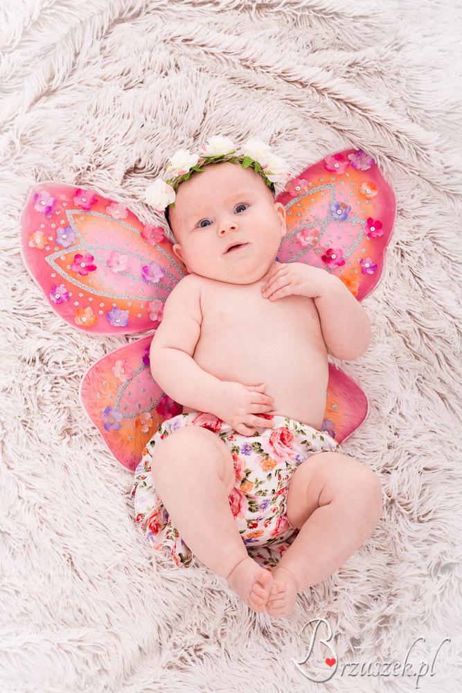Urocza sesja niemowlęca