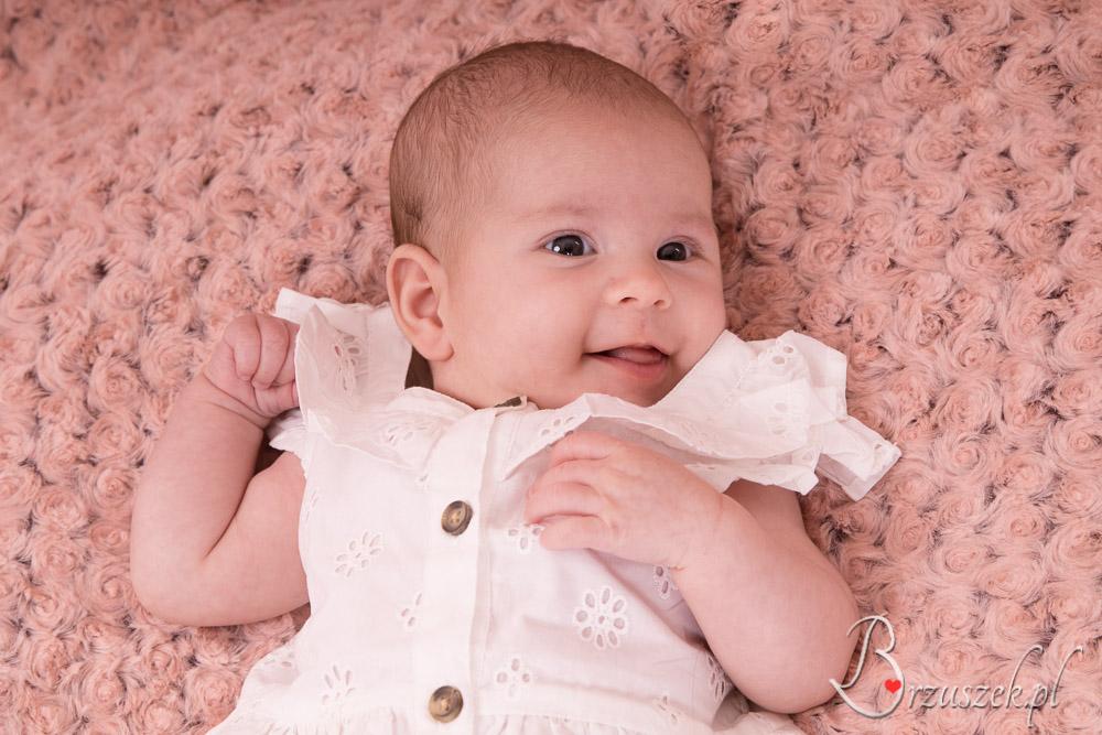 Sesja niemowlęca dziewczynki